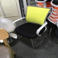 고정 메쉬 의자